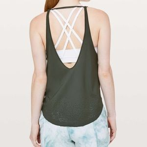 Lululemon set free run tank camp green small